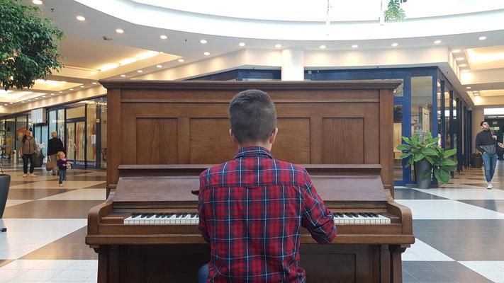 Tobias Müller Piano Musik Leipzig Grünau PEP Center