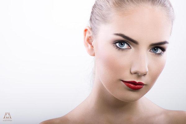 Foto:Marco Kleinpeter Visa:Alina Vitrjak Model:Kelly Sue