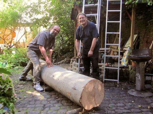 Transport des Rohlings für die Stele auf der Aachener Kunstroute 2015, Triumph