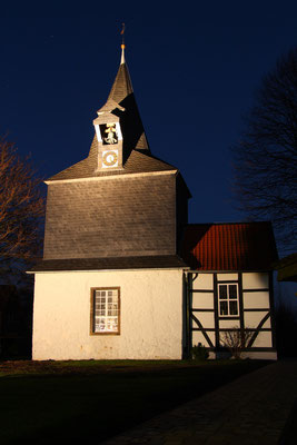 Die Flachstöckheimer Kirche bei Nacht, Foto: Kristina Branz