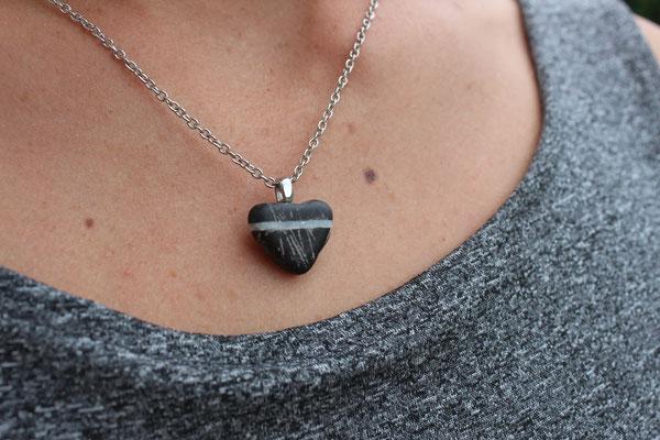 """Herzsteinkette """"Fürchte dich nicht vor Steinen auf deinem Weg, sie helfen dir in deine Größe!"""""""