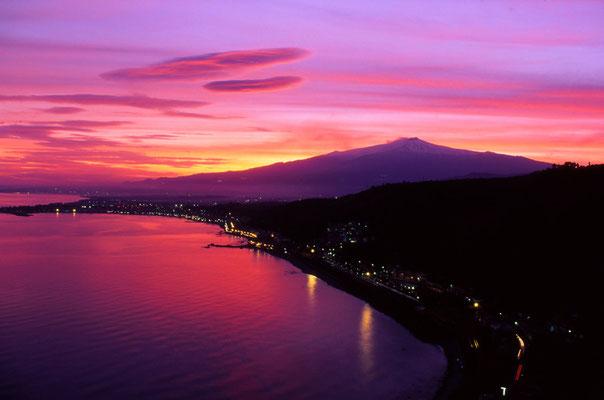 Cod. Etna 004