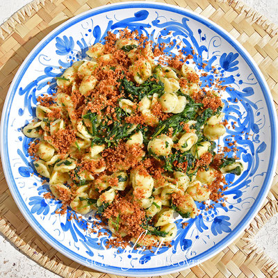 Orecchiette con Rapuddi o Cauliceddi e mollica