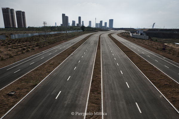 deserted streets in the new district of Kangbashi, Ordos