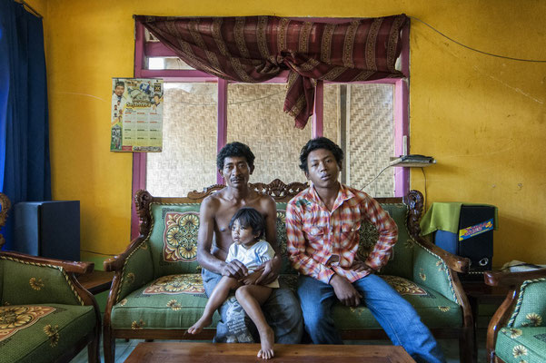 Haidoro with his son and daugter. They live in Sumberwatu village