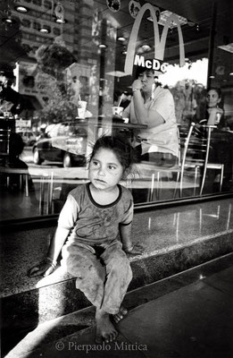 Street child, Delhi 2002