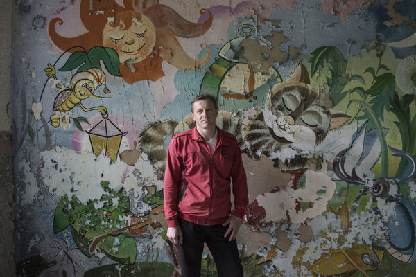 Vitali, a former resident of the city of Poleskoje in the kindergarten where he went as a child, before the accident at the nuclear power plant.