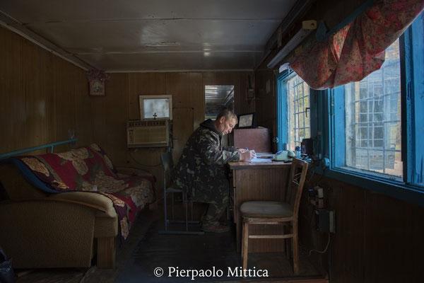 Check Point della città fantasma di Pripyat: Victor da 7 anni lavora come custode della città fantasma di Pripyat.