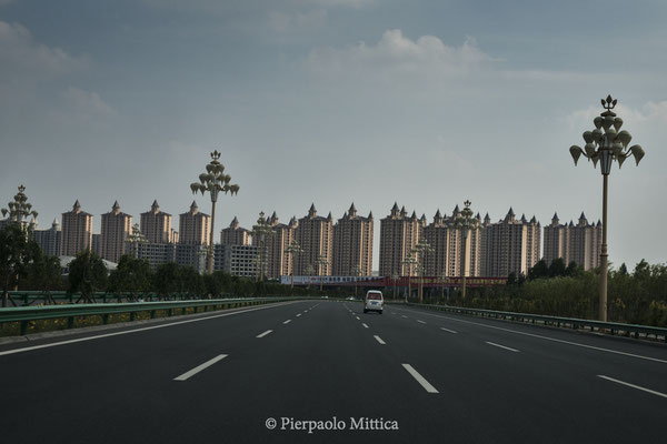 The road to Ordos