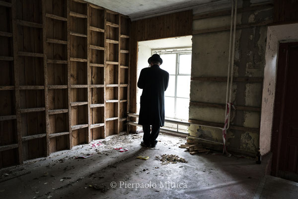 Jew inside the abandoned Chernobyl Synagogue