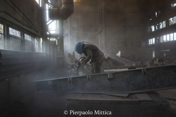 sabbiatura dei metalli radioattivi per il loro riciclo