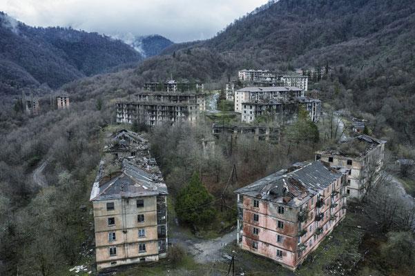 The semi-abandoned village of Polyana