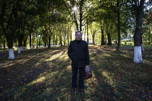 Professor Bandazhevsky in the central park of Ivankiv City. Ivankiv is a city of 10,000 inhabitants located 50 kilometers from the Chernobyl exclusion zone and has been heavily contaminated by the Chernobyl accident, but has never been evacuated.