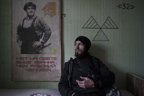Jimmy in one of the apartments occupied by stalkers in Pripyat
