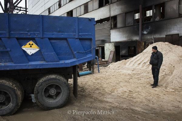 Camion per il trasporto dei metalli radioattivi da riciclare