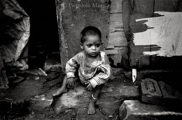 Street child, Benares 2002