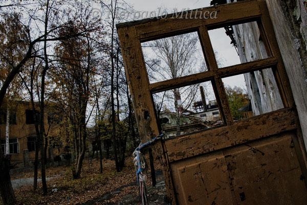 The abandoned downwind neighborhood