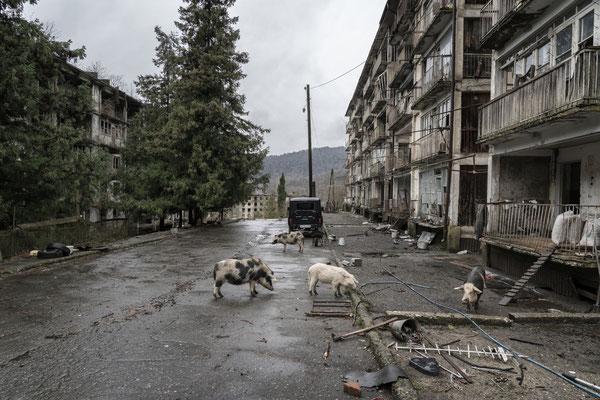 The semi-abandoned village of Polyana.