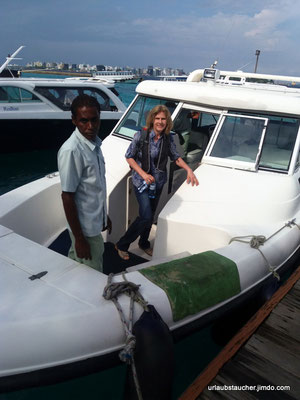 von Male mit dem Speedboot nach Biyadhoo
