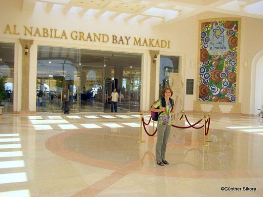 Haupteingang GRAND NABILA