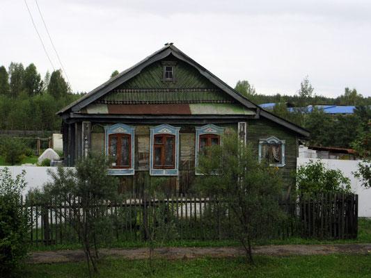 Die älteren Häuser sind in ganz Russland so, nicht nur in Sibirien