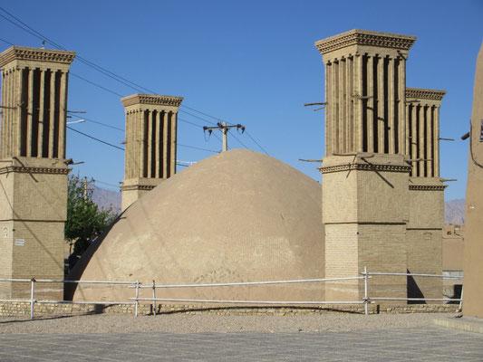 Region Yazd, Wassertürme mit Wasserspeicher, dienten als Kühlung