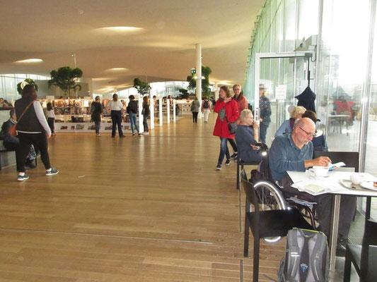 Die Bibliothek in Helsinki ist für jedermann frei zugänglich.