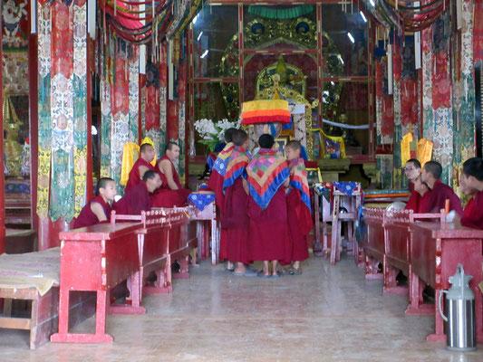 Wärend dem Gebet durften wir den Tempel besuchen