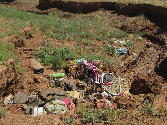Der Abfall ist in der Mongolei ein ungelöstes Problem