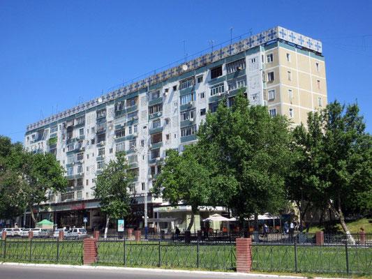 In Usbekistan hat es noch viele Bauten aus der Zeit der Sowjetunion