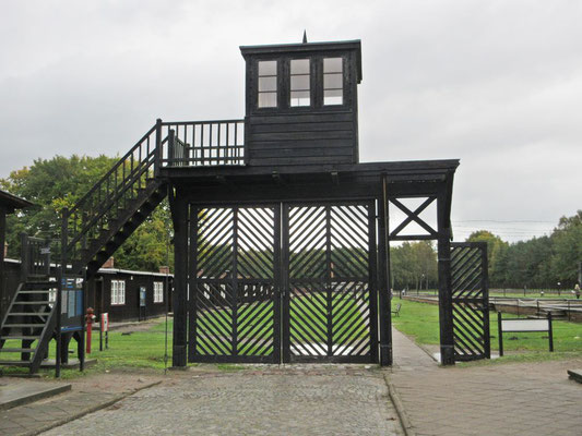 Eingangstor zum ehemaligen KZ Schutthof 40km östlich von Danzig