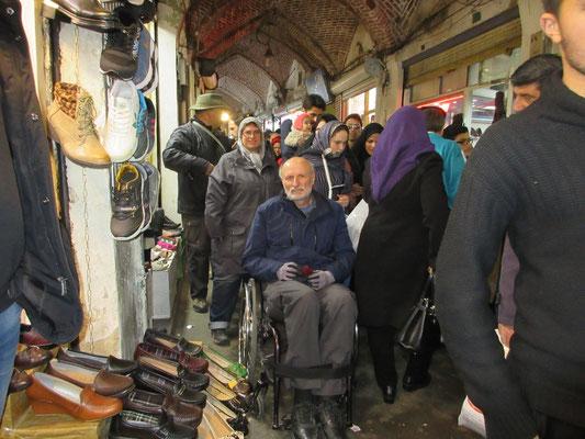 Der Basar von Tabris war vor dem islamischen Neujahr voll mit kauffreudigen Einheimschen