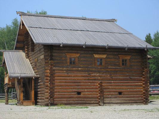 Im Freilichtmuseum Nähe Irkutsk sahen wir, dass in Sibirien die Blockhausbauweise verbreitet war