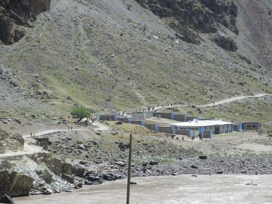 Schulschluss in Afganistan
