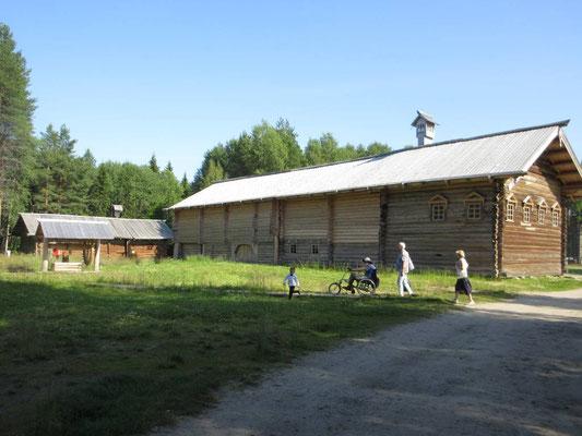 Im Freilichtmuseum, Bauernhaus aus Karelien