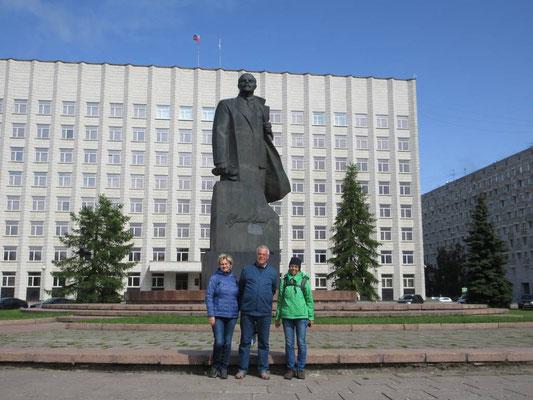 Mit unsern neuen Freuden Irina und Alexander von Arkhangelsk, echte russische Gastfreundschaft, danke!