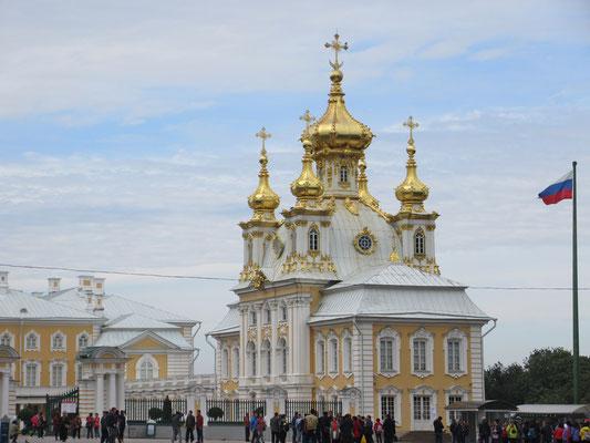Zu einem Palast gehört immer auch eine Kirche