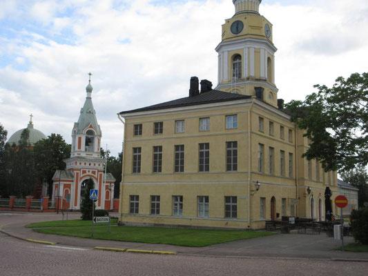Rathaus und Kirche von Hamina