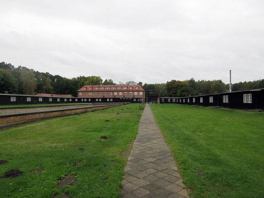 Für die Gefangenen waren die Baracken, die gemauerten Gebäude Verwaltung