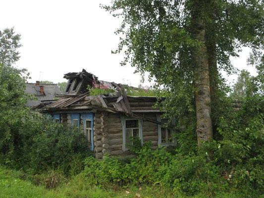 Die Natur erobert sich die Gebäude zurück