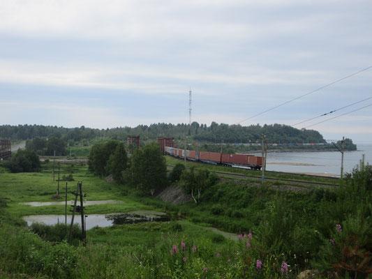 Die Magistrale M53, Hauptverbindung Ost-West ist oft parallel zur Transsibirischen Eisenbahn
