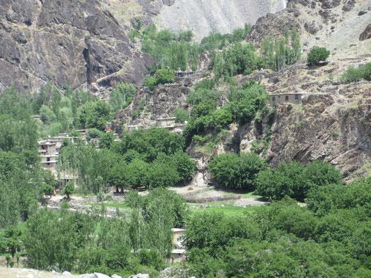In Afghanistan haben die Leute auch Satellitenantennen