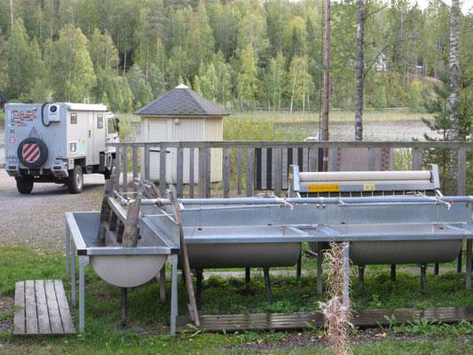 In Finnland haben wir einige Waschplätze für Teppiche gesehen, wie hier mit Mange