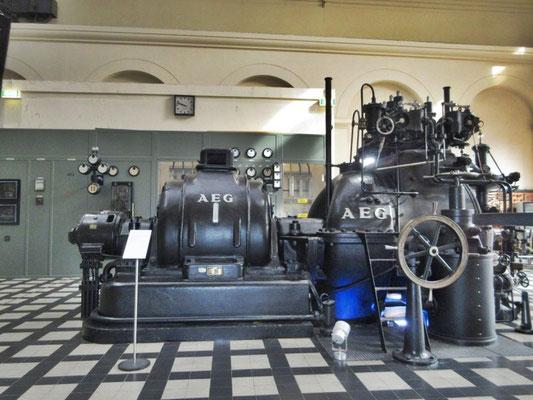 Im Industrimuseum in Delmenhorst bei Bremen steht ein grosse Dampfmaschine