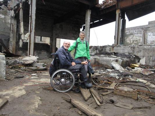Das Bohrloch war in all den Trümmern nicht ganz einfach zu finden