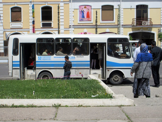 Der Bus fährt erst los, wenn er wirklich ganz voll ist