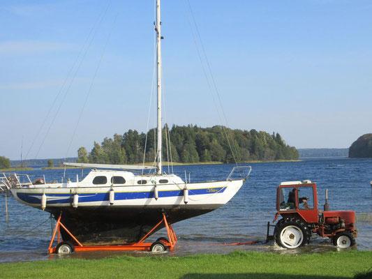 Es ist Herbst, die Boote werden ins Trockene gebracht
