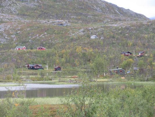 In Norwegen trifft man immer wieder auf Häuser, auch in scheinbar abgelegenen Gebieten