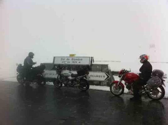 Motorradurlaub im Schnee