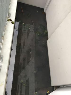 Gefluteter Kellerabgang aufgrund defekter Pumpe im Pumpensumpf